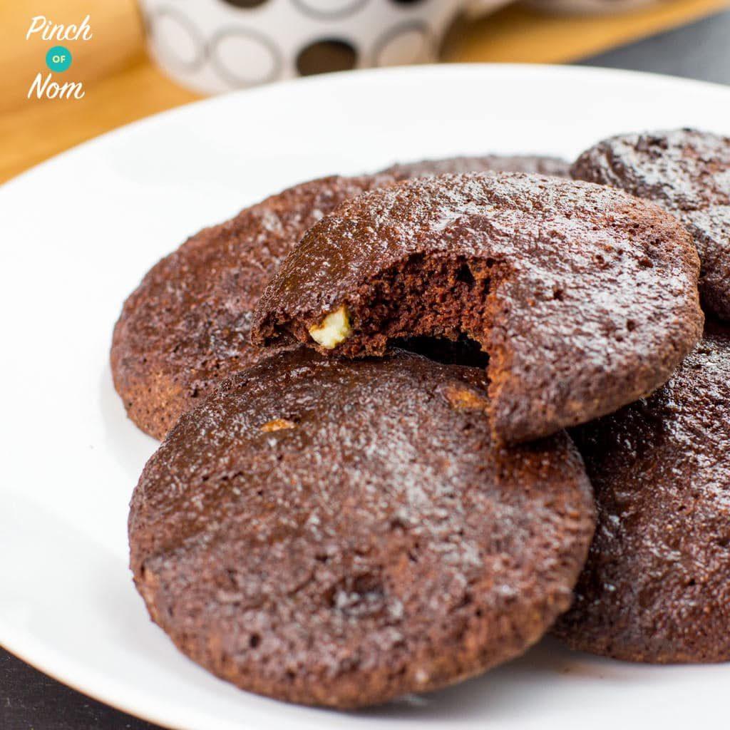 Double Choc Chip Cookies pinchofnom.com