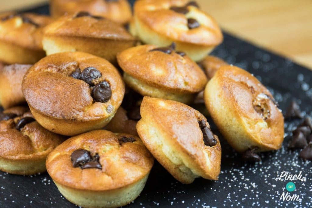 Mini Banana Cakes with Chocolate Chips | Slimming & Weight Watchers Friendly