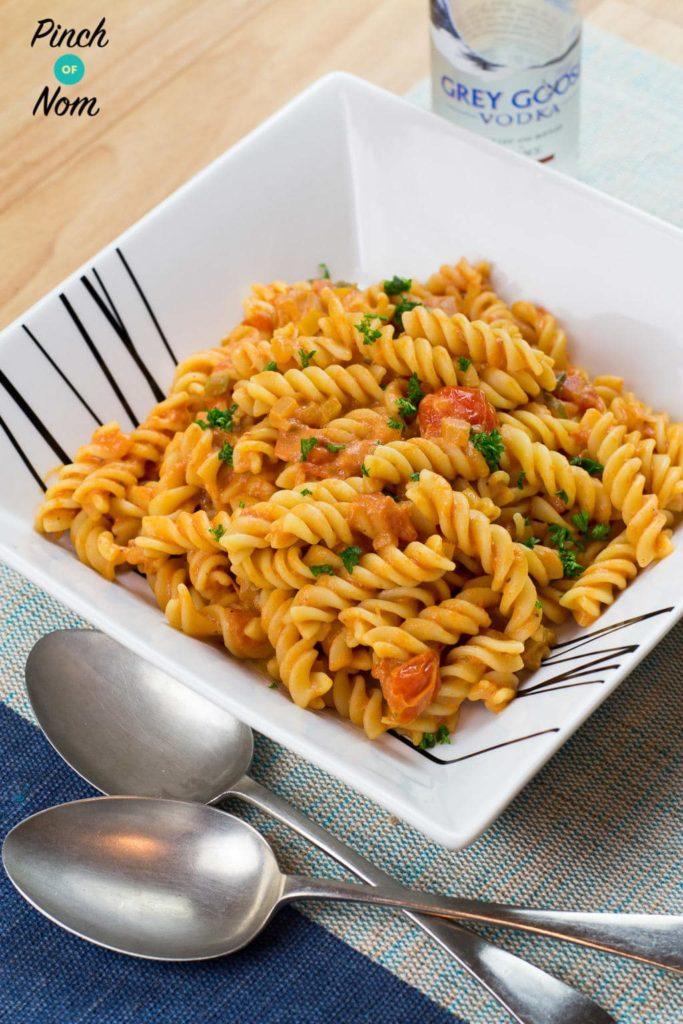 1-syn-creamy-tomato-vodka-pasta