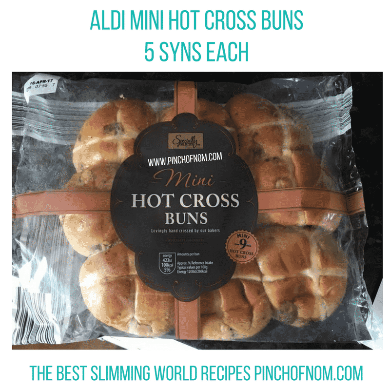 aldi mini hot cross buns - New Slimming World Shopping Essentials - pinchofnom.com - April