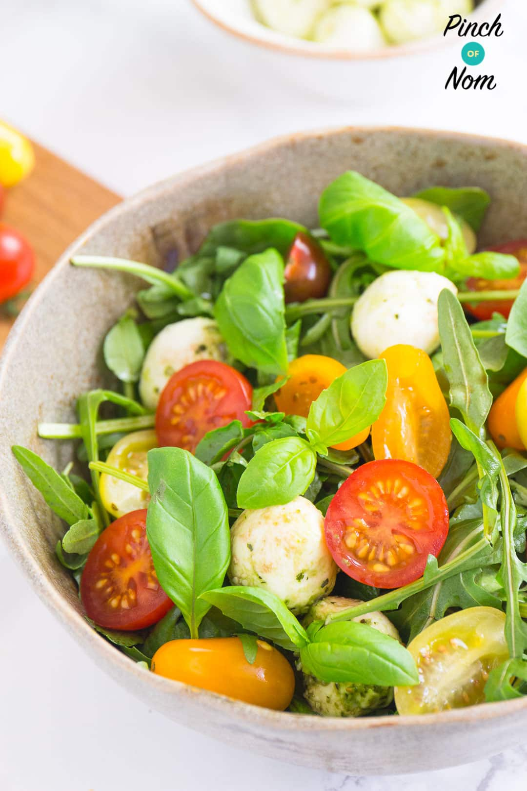 Syn free basil tomato mozzarella salad | Slimming World-4