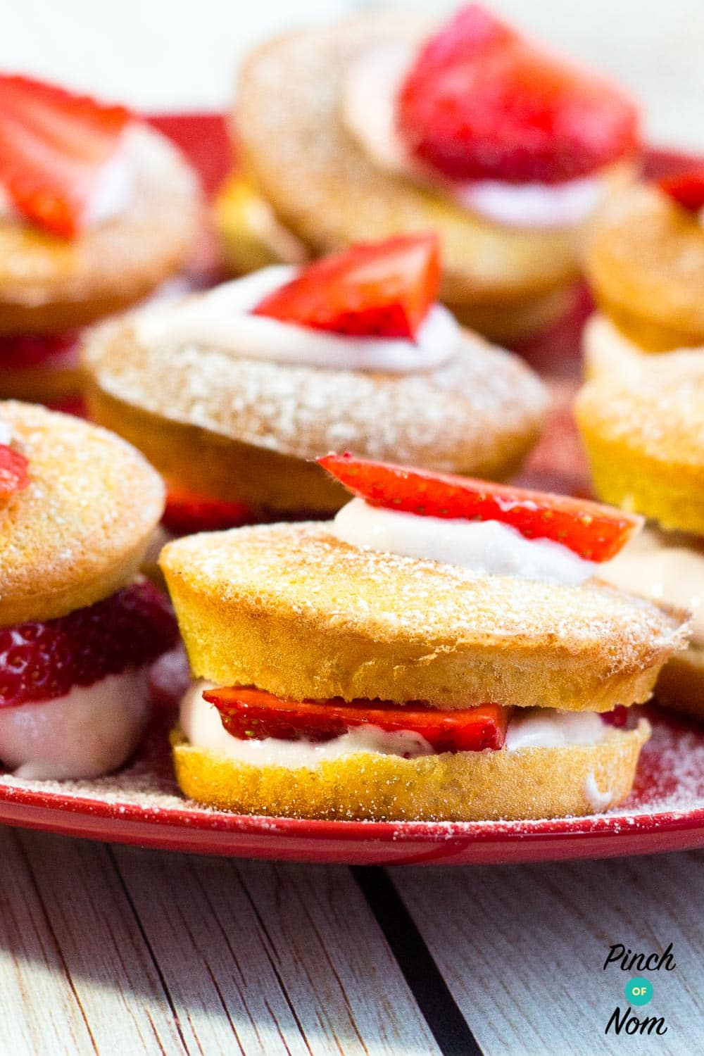 Low Syn Mini Strawberry Sponges | Slimming World