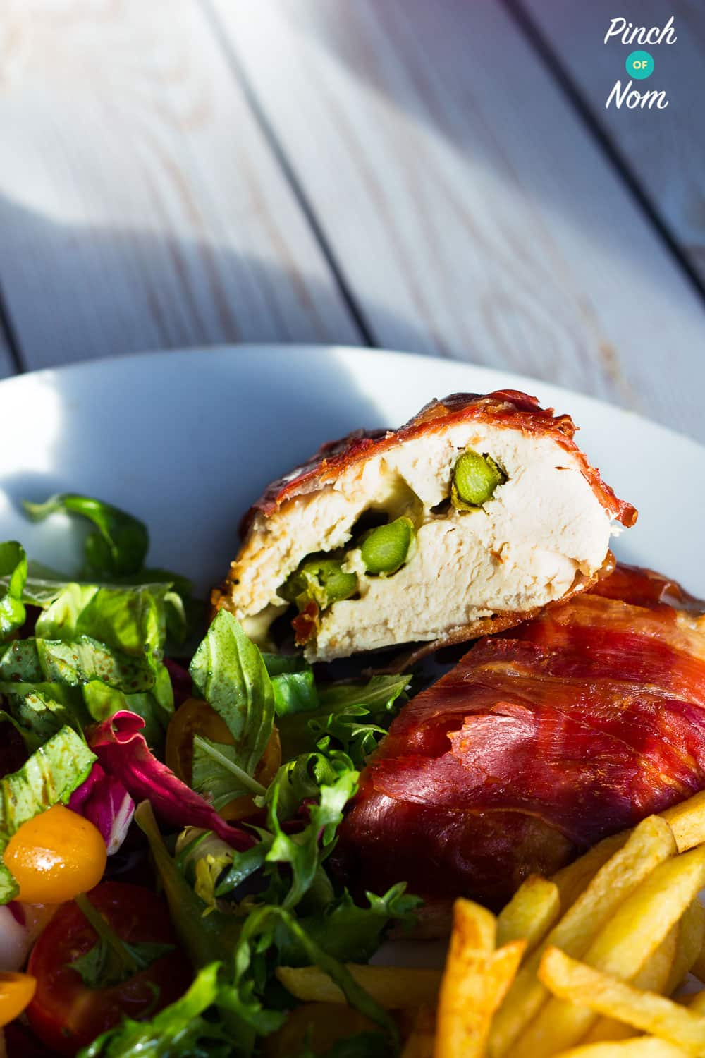 Low Syn Mozzarella & Asparagus Stuffed Chicken | Slimming World