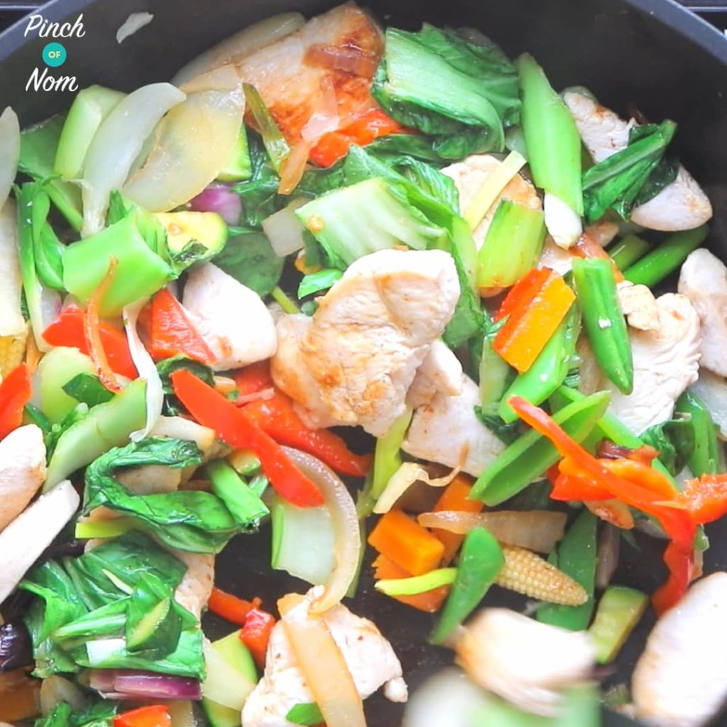 Half Syn Chicken Pad Thai - steps | Slimming World-4