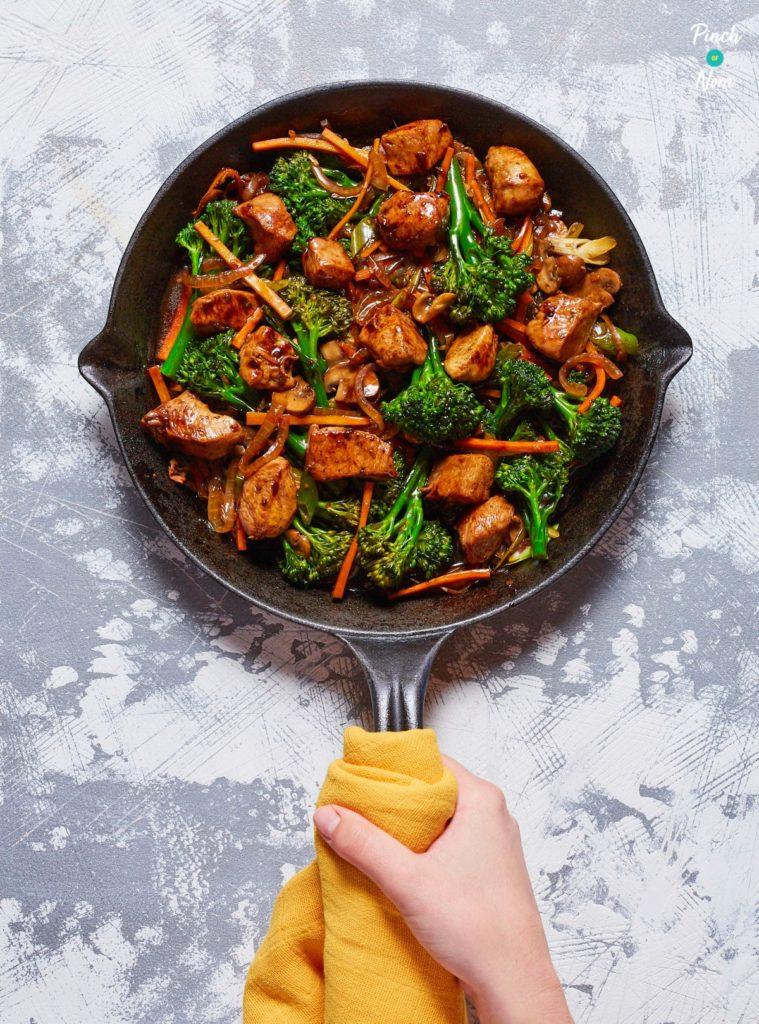 Chinese Chicken and Broccoli pinchofnom.com