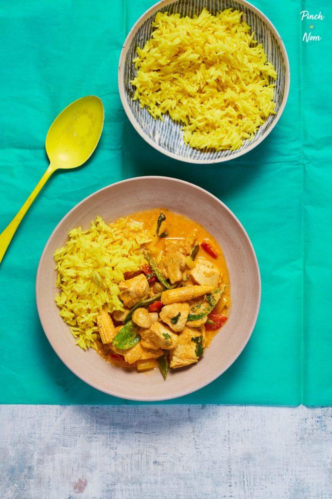 Creamy Chicken Curry pinchofnom.com