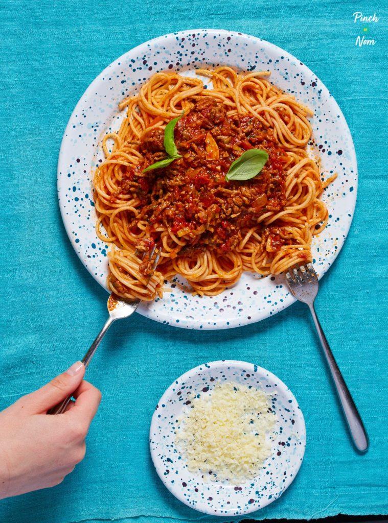 Spaghetti Bolognese pinchofnom.com